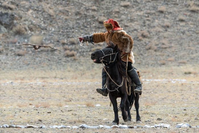 Чингисхан и его сокол. Урок о гневе