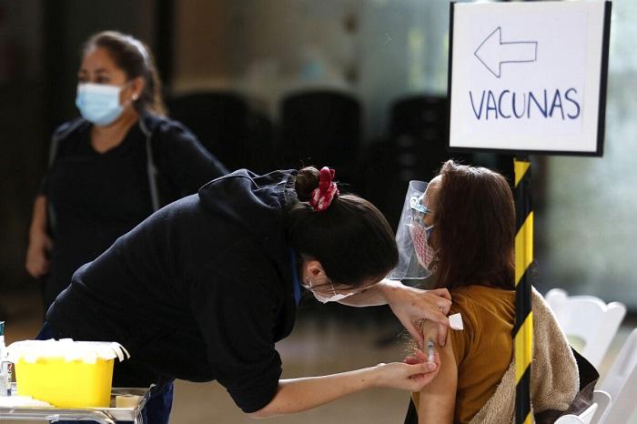 В Чили начнут вводить бустерные вакцины из-за снижения эффективности Sinovac