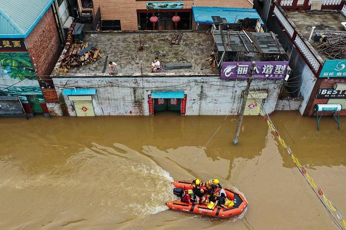 Волонтёры-спасатели обвиняют власти провинции Хэнань в бездействии и коррупции