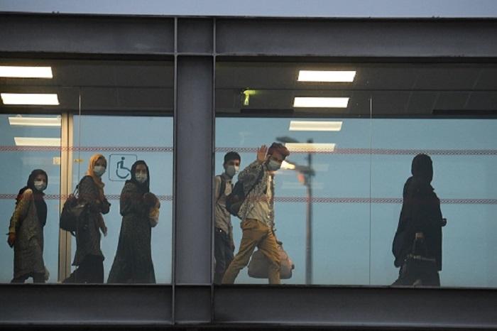 В Париж прибыли первые афганцы, эвакуированные из Кабула