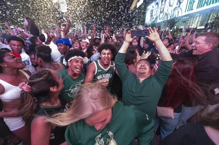 После финала НБА 2021 года в Милуоки зарегистрировали почти 500 случаев заражения COVID-19