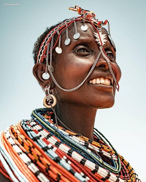 Фотограф побывал в африканских и пакистанских племенах