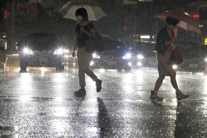 Из-за проливных дождей в Японии эвакуируют сотни тысяч жителей