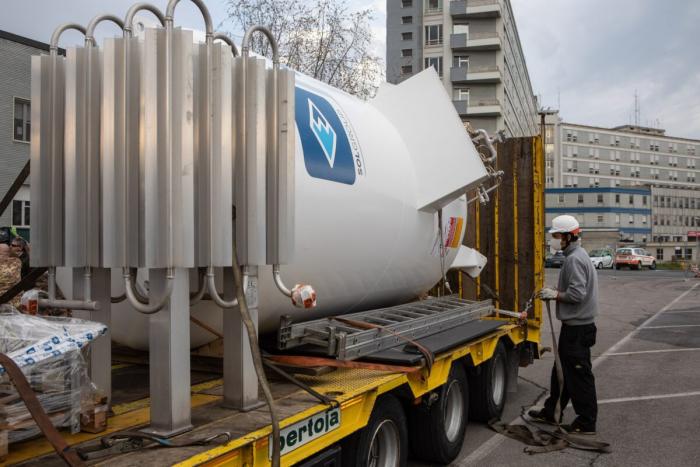 Власти Орландо призвали жителей экономить воду в связи с резким увеличением госпитализаций из-за COVID-19 и истощения запасов жидкого кислорода
