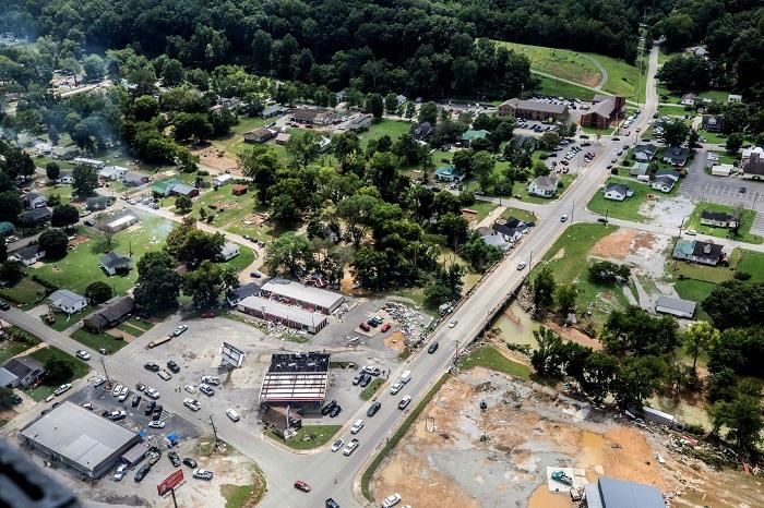 Внезапное наводнение в Теннесси: 21 человек погиб, в том числе семимесячные близнецы, около 20 пропавших