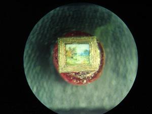 *Осень наступила*, миниатюра лежит на бисеренке, размер 0.8x1 мм